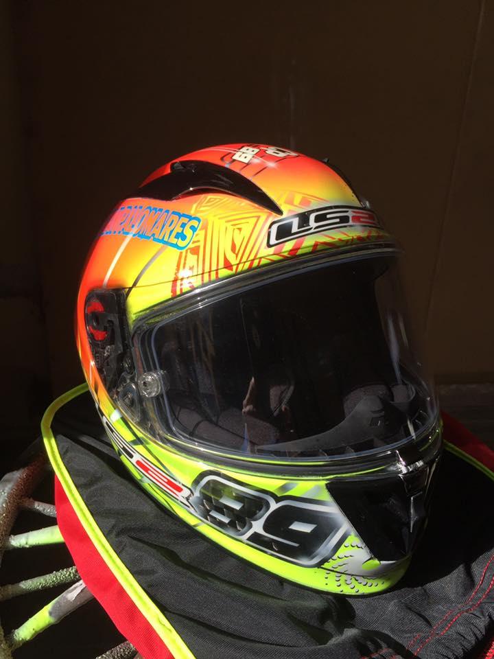 Este será mi casco para la primera carrera